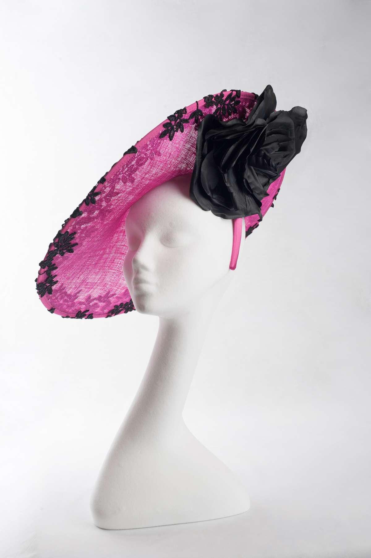 large disc Cerise with black lace hat